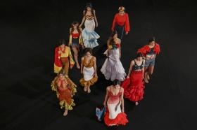 "Desfile de moda flamenca 'Emprende Lunares' en la Fundación Cajasol (9) • <a style=""font-size:0.8em;"" href=""http://www.flickr.com/photos/129072575@N05/32502994501/"" target=""_blank"">View on Flickr</a>"
