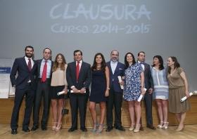 "Clausura del Curso Académico 2014/2015 en el Instituto de Estudios Cajasol (10) • <a style=""font-size:0.8em;"" href=""http://www.flickr.com/photos/129072575@N05/19332381620/"" target=""_blank"">View on Flickr</a>"