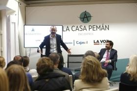 "'Encuentros en la Casa Pemán' con Rafael Santandreu (2) • <a style=""font-size:0.8em;"" href=""http://www.flickr.com/photos/129072575@N05/31579451466/"" target=""_blank"">View on Flickr</a>"