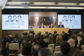 "Mesa redonda 'Los valores del toreo aplicados a la empresa' (10) • <a style=""font-size:0.8em;"" href=""http://www.flickr.com/photos/129072575@N05/32070074014/"" target=""_blank"">View on Flickr</a>"