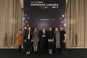 "Desfile de moda flamenca 'Emprende Lunares' en la Fundación Cajasol • <a style=""font-size:0.8em;"" href=""http://www.flickr.com/photos/129072575@N05/32585198406/"" target=""_blank"">View on Flickr</a>"