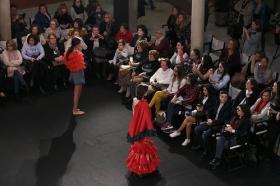 "Desfile de moda flamenca 'Emprende Lunares' en la Fundación Cajasol (11) • <a style=""font-size:0.8em;"" href=""http://www.flickr.com/photos/129072575@N05/31813551503/"" target=""_blank"">View on Flickr</a>"