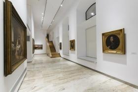 "Sala de exposiciones 'Murillo' de la Fundación Cajasol (16) • <a style=""font-size:0.8em;"" href=""http://www.flickr.com/photos/129072575@N05/21942938514/"" target=""_blank"">View on Flickr</a>"