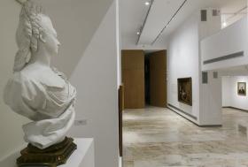 "Sala de exposiciones 'Murillo' de la Fundación Cajasol (11) • <a style=""font-size:0.8em;"" href=""http://www.flickr.com/photos/129072575@N05/22378850789/"" target=""_blank"">View on Flickr</a>"