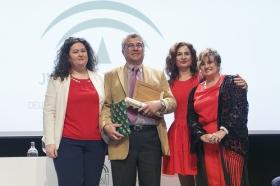 """Entrega de las Banderas de Andalucía de Sevilla 2017 en la Fundación Cajasol (18) • <a style=""""font-size:0.8em;"""" href=""""http://www.flickr.com/photos/129072575@N05/33082768206/"""" target=""""_blank"""">View on Flickr</a>"""