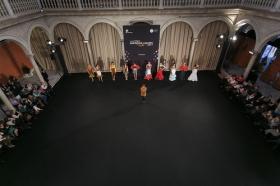 "Desfile de moda flamenca 'Emprende Lunares' en la Fundación Cajasol (7) • <a style=""font-size:0.8em;"" href=""http://www.flickr.com/photos/129072575@N05/32472270662/"" target=""_blank"">View on Flickr</a>"