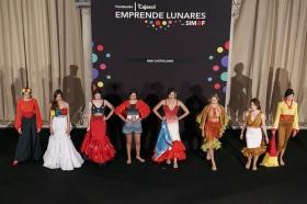 "Desfile de moda flamenca 'Emprende Lunares' en la Fundación Cajasol (8) • <a style=""font-size:0.8em;"" href=""http://www.flickr.com/photos/129072575@N05/32585200436/"" target=""_blank"">View on Flickr</a>"