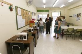 """Visita de la Fundación Cajasol al colegio de Educación Especial de la Macarena (6) • <a style=""""font-size:0.8em;"""" href=""""http://www.flickr.com/photos/129072575@N05/21510793033/"""" target=""""_blank"""">View on Flickr</a>"""