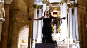 "Concierto de Laura Gallego en la Catedral de Cádiz • <a style=""font-size:0.8em;"" href=""http://www.flickr.com/photos/129072575@N05/40164712334/"" target=""_blank"">View on Flickr</a>"