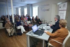 """Conferencia de Pilar León en el Seminario Internacional Itálica Ciudad Adrianea: Modelo excepcional de Arquitectura y Urbanismo (5) • <a style=""""font-size:0.8em;"""" href=""""http://www.flickr.com/photos/129072575@N05/26341832567/"""" target=""""_blank"""">View on Flickr</a>"""