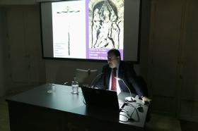 """Conferencia de José Roda Peña: 'La escultura sevillana en tiempos de Martínez Montañés' (3) • <a style=""""font-size:0.8em;"""" href=""""http://www.flickr.com/photos/129072575@N05/27152766188/"""" target=""""_blank"""">View on Flickr</a>"""