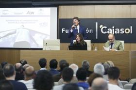"""Presentación del 'Plan Reactiva Tu Club' en la Fundación Cajasol (9) • <a style=""""font-size:0.8em;"""" href=""""http://www.flickr.com/photos/129072575@N05/41362772081/"""" target=""""_blank"""">View on Flickr</a>"""