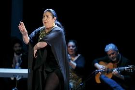 """Jueves Flamencos de la Fundación Cajasol en Sevilla: Amador Rojas y Carmen Ledesma (33) • <a style=""""font-size:0.8em;"""" href=""""http://www.flickr.com/photos/129072575@N05/40256631194/"""" target=""""_blank"""">View on Flickr</a>"""