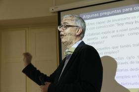 "Fundación Cajasol en un Tuit: Alfredo Vela (4) • <a style=""font-size:0.8em;"" href=""http://www.flickr.com/photos/129072575@N05/41958250645/"" target=""_blank"">View on Flickr</a>"