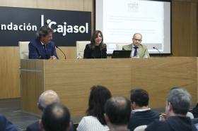 """Presentación del 'Plan Reactiva Tu Club' en la Fundación Cajasol (7) • <a style=""""font-size:0.8em;"""" href=""""http://www.flickr.com/photos/129072575@N05/41362771691/"""" target=""""_blank"""">View on Flickr</a>"""