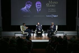 """Mano a Mano en la Fundación Cajasol: Manuel Escribano y Antonio Ramírez de Arellano (14) • <a style=""""font-size:0.8em;"""" href=""""http://www.flickr.com/photos/129072575@N05/27229867277/"""" target=""""_blank"""">View on Flickr</a>"""