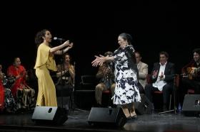 "Jueves Flamencos: Zambomba de Joaquín 'El Zambo' (12) • <a style=""font-size:0.8em;"" href=""http://www.flickr.com/photos/129072575@N05/23293668224/"" target=""_blank"">View on Flickr</a>"
