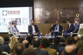 "Conferencia de Francois Nuyts en la Fundación Cajasol (11) • <a style=""font-size:0.8em;"" href=""http://www.flickr.com/photos/129072575@N05/26706153165/"" target=""_blank"">View on Flickr</a>"