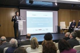 "Presentación del estudio 'Visión Sevilla 2015' (2) • <a style=""font-size:0.8em;"" href=""http://www.flickr.com/photos/129072575@N05/25857779700/"" target=""_blank"">View on Flickr</a>"