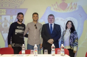 """Programa educativo 'Del Cádiz CF al cole' en el colegio Amor de Dios (24) • <a style=""""font-size:0.8em;"""" href=""""http://www.flickr.com/photos/129072575@N05/25701963263/"""" target=""""_blank"""">View on Flickr</a>"""