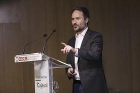 "Conferencia de Francois Nuyts en la Fundación Cajasol (17) • <a style=""font-size:0.8em;"" href=""http://www.flickr.com/photos/129072575@N05/26706153365/"" target=""_blank"">View on Flickr</a>"
