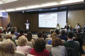 """Conferencia de Inger Enkvist en la Fundación Cajasol (Sevilla) (12) • <a style=""""font-size:0.8em;"""" href=""""http://www.flickr.com/photos/129072575@N05/24347913790/"""" target=""""_blank"""">View on Flickr</a>"""