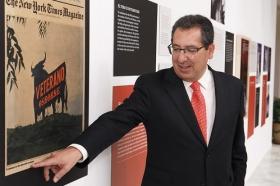 """Exposición 'El Toro de Osborne: Icono del diseño español' (7) • <a style=""""font-size:0.8em;"""" href=""""http://www.flickr.com/photos/129072575@N05/26111778060/"""" target=""""_blank"""">View on Flickr</a>"""
