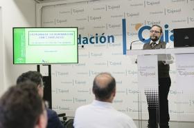 """Jornada informativa sobre el nuevo decreto de viviendas con fines turísticos de Andalucía • <a style=""""font-size:0.8em;"""" href=""""http://www.flickr.com/photos/129072575@N05/26706155355/"""" target=""""_blank"""">View on Flickr</a>"""