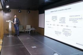 "Conferencia de Francois Nuyts en la Fundación Cajasol (16) • <a style=""font-size:0.8em;"" href=""http://www.flickr.com/photos/129072575@N05/26433507930/"" target=""_blank"">View on Flickr</a>"