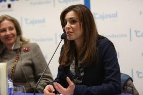 """Presentación del libro 'Teresa. La mujer' en la Fundación Cajasol (Cádiz) (3) • <a style=""""font-size:0.8em;"""" href=""""http://www.flickr.com/photos/129072575@N05/25145004615/"""" target=""""_blank"""">View on Flickr</a>"""