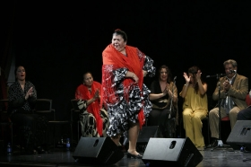 "Jueves Flamencos: Zambomba de Joaquín 'El Zambo' (6) • <a style=""font-size:0.8em;"" href=""http://www.flickr.com/photos/129072575@N05/23895788906/"" target=""_blank"">View on Flickr</a>"