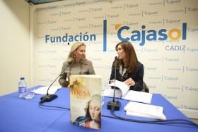 """Presentación del libro 'Teresa. La mujer' en la Fundación Cajasol (Cádiz) (8) • <a style=""""font-size:0.8em;"""" href=""""http://www.flickr.com/photos/129072575@N05/25026744072/"""" target=""""_blank"""">View on Flickr</a>"""