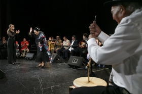"Jueves Flamencos: Zambomba de Joaquín 'El Zambo' (15) • <a style=""font-size:0.8em;"" href=""http://www.flickr.com/photos/129072575@N05/23626207020/"" target=""_blank"">View on Flickr</a>"
