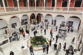 "Exposición 'World Press Photo 2016' en la Fundación Cajasol (Sevilla) (7) • <a style=""font-size:0.8em;"" href=""http://www.flickr.com/photos/129072575@N05/26671936975/"" target=""_blank"">View on Flickr</a>"