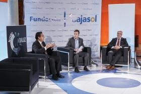 "Entrevista a Manuel Jiménez Barrios en 'Con Acento Andaluz' desde la Fundación Cajasol (16) • <a style=""font-size:0.8em;"" href=""http://www.flickr.com/photos/129072575@N05/25210928155/"" target=""_blank"">View on Flickr</a>"