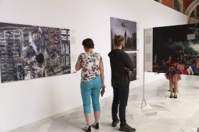 "Exposición 'World Press Photo 2016' en la Fundación Cajasol (Sevilla) (10) • <a style=""font-size:0.8em;"" href=""http://www.flickr.com/photos/129072575@N05/26606290741/"" target=""_blank"">View on Flickr</a>"