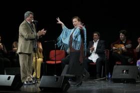 "Jueves Flamencos: Zambomba de Joaquín 'El Zambo' (11) • <a style=""font-size:0.8em;"" href=""http://www.flickr.com/photos/129072575@N05/23813569362/"" target=""_blank"">View on Flickr</a>"
