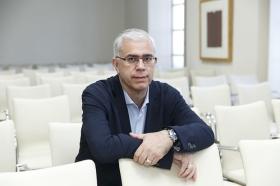 "Fundación Cajasol en un Tuit: Alfredo Vela • <a style=""font-size:0.8em;"" href=""http://www.flickr.com/photos/129072575@N05/41048172420/"" target=""_blank"">View on Flickr</a>"