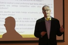 "Fundación Cajasol en un Tuit: Alfredo Vela (7) • <a style=""font-size:0.8em;"" href=""http://www.flickr.com/photos/129072575@N05/41958251405/"" target=""_blank"">View on Flickr</a>"