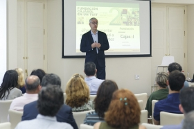 "Fundación Cajasol en un Tuit: Alfredo Vela (12) • <a style=""font-size:0.8em;"" href=""http://www.flickr.com/photos/129072575@N05/41958258505/"" target=""_blank"">View on Flickr</a>"