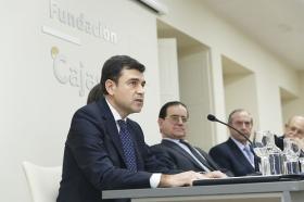 """Entrega del VII Premio Ángel Olavarría en la Fundación Cajasol (5) • <a style=""""font-size:0.8em;"""" href=""""http://www.flickr.com/photos/129072575@N05/32098015823/"""" target=""""_blank"""">View on Flickr</a>"""