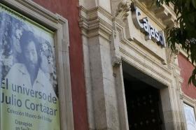 """Exposición 'El Universo de Julio Cortázar' en la Fundación Cajasol (12) • <a style=""""font-size:0.8em;"""" href=""""http://www.flickr.com/photos/129072575@N05/32760645204/"""" target=""""_blank"""">View on Flickr</a>"""