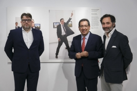 "Exposición World Press Photo 2017 en la Fundación Cajasol (35) • <a style=""font-size:0.8em;"" href=""http://www.flickr.com/photos/129072575@N05/34017693760/"" target=""_blank"">View on Flickr</a>"