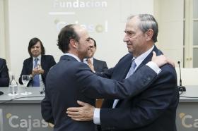 """Entrega del VII Premio Ángel Olavarría en la Fundación Cajasol (16) • <a style=""""font-size:0.8em;"""" href=""""http://www.flickr.com/photos/129072575@N05/32759059322/"""" target=""""_blank"""">View on Flickr</a>"""
