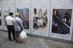 "IV Muestra de fotografías vineladas en la Semana Santa de Sevilla (3) • <a style=""font-size:0.8em;"" href=""http://www.flickr.com/photos/129072575@N05/33146223954/"" target=""_blank"">View on Flickr</a>"