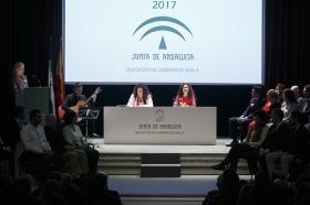 """Entrega de las Banderas de Andalucía de Sevilla 2017 en la Fundación Cajasol (6) • <a style=""""font-size:0.8em;"""" href=""""http://www.flickr.com/photos/129072575@N05/32279404694/"""" target=""""_blank"""">View on Flickr</a>"""