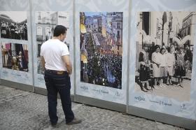 "IV Muestra de fotografías vineladas en la Semana Santa de Sevilla (2) • <a style=""font-size:0.8em;"" href=""http://www.flickr.com/photos/129072575@N05/33948268756/"" target=""_blank"">View on Flickr</a>"