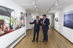 "Exposición World Press Photo 2017 en la Fundación Cajasol (23) • <a style=""font-size:0.8em;"" href=""http://www.flickr.com/photos/129072575@N05/34017692160/"" target=""_blank"">View on Flickr</a>"