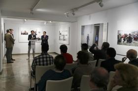 "Exposición World Press Photo 2017 en la Fundación Cajasol (27) • <a style=""font-size:0.8em;"" href=""http://www.flickr.com/photos/129072575@N05/34402400315/"" target=""_blank"">View on Flickr</a>"