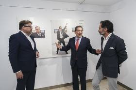 "Exposición World Press Photo 2017 en la Fundación Cajasol (24) • <a style=""font-size:0.8em;"" href=""http://www.flickr.com/photos/129072575@N05/34402399615/"" target=""_blank"">View on Flickr</a>"
